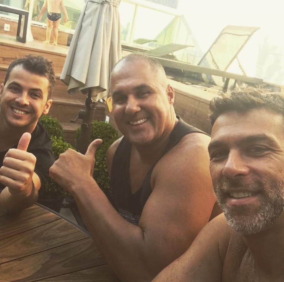 Matheus Braga ao lado de Zé Colmeia e Marcelinho — Foto: Reprodução/Instagram
