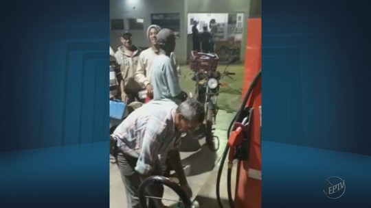 Produtores rurais fazem fila para garantir combustível de 'mãozinhas' usadas na colheita do café em MG