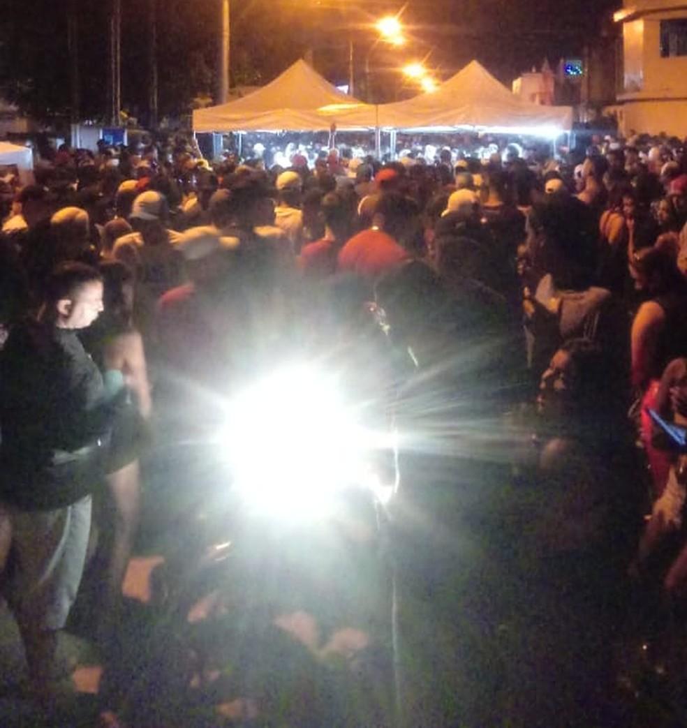Imagens foram registradas na madrugada desta sábado (26), em são Vicente, SP — Foto: G1 Santos
