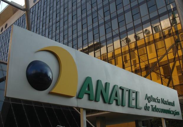 Anatel multa a Vivo em R$ 370 milhões
