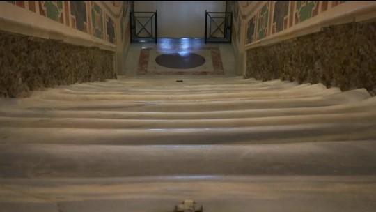 'Escada Santa' é exposta em estado original em Roma