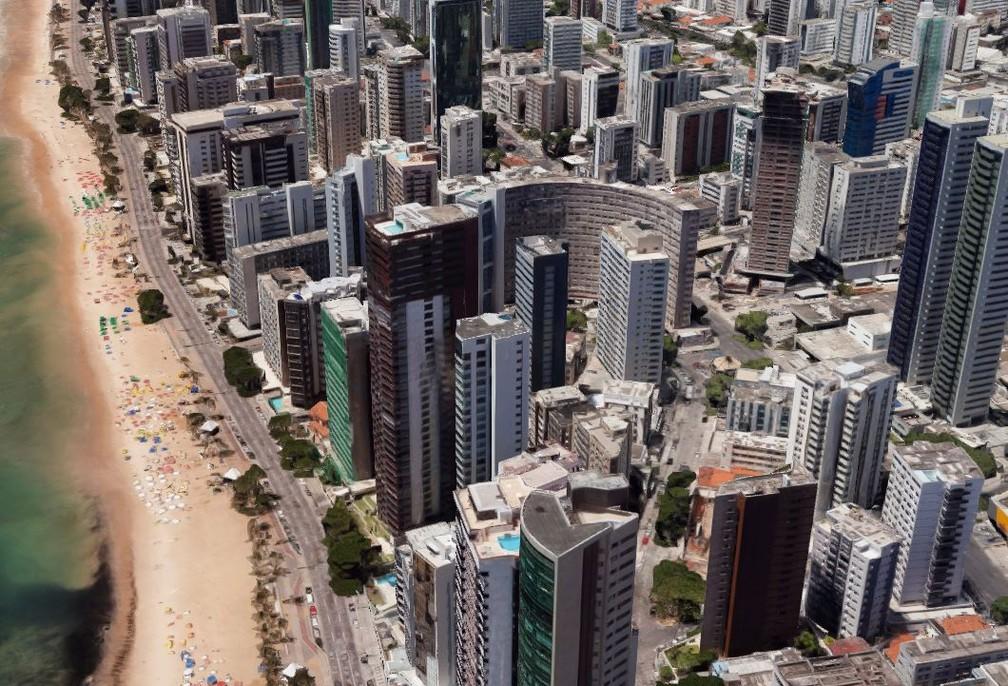 Prédios do bairro de Boa Viagem, na Zona Sul do Recife, e Holiday, no centro — Foto: Reprodução/Google Maps