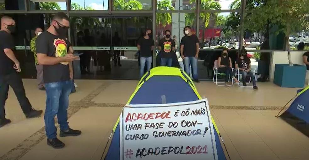 Candidatos são de concursos de 2015 e 2017 — Foto: Reprodução/Rede Amazônica Acre
