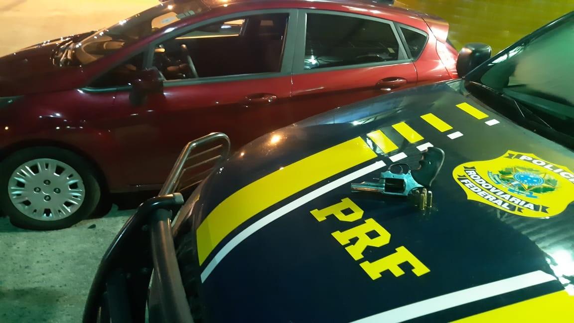 Homem é preso suspeito de roubar carro, em Sobrado, na Paraíba