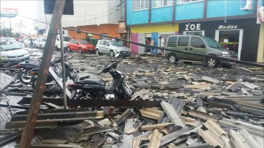 Grande Florianópolis e Norte de SC contabilizam prejuízos após temporal