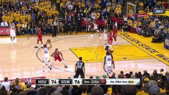 Curry converte de três - 3ºQ: 74/79