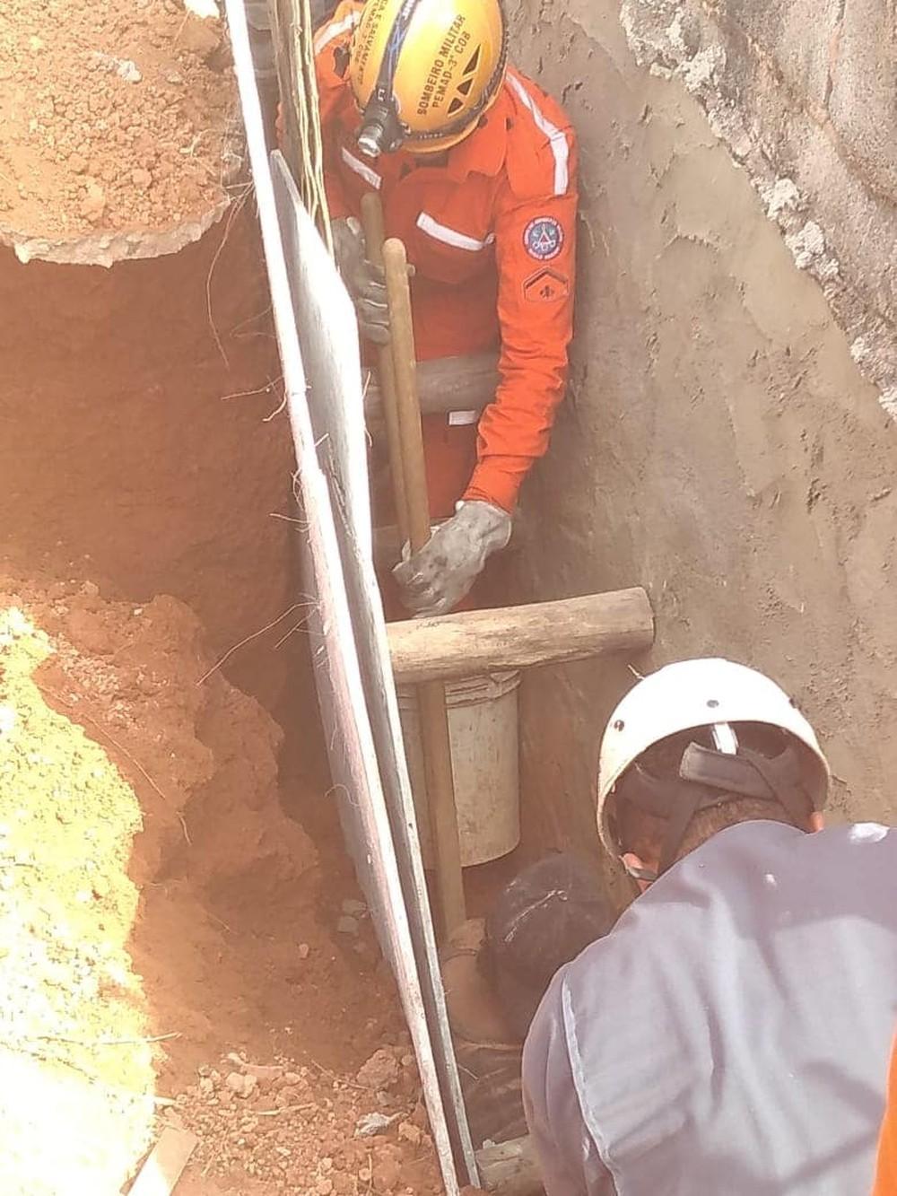 Trabalhador que ficou parcialmente soterrado em obra é liberado do hospital em Juiz de Fora - Notícias - Plantão Diário