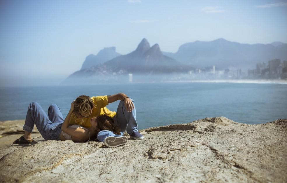 Os Dias Prósperos Não Vêm Por Acaso: Nanda Tem Mal-estar Durante Passeio Na Praia Com Caíque