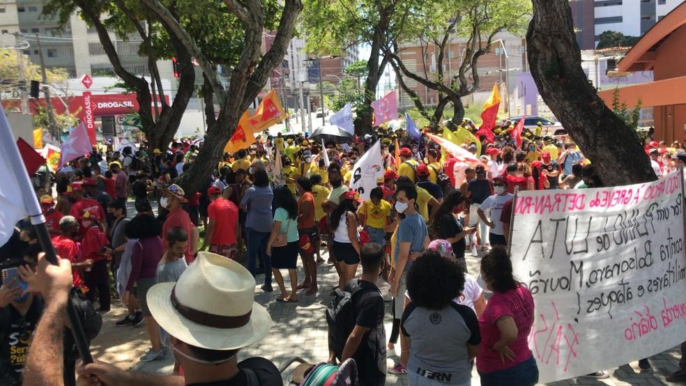 Natal, RN: Ato contra o presidente Jair Bolsonaro em Natal. — Foto: Geraldo Jerônimo/Inter TV Cabugi