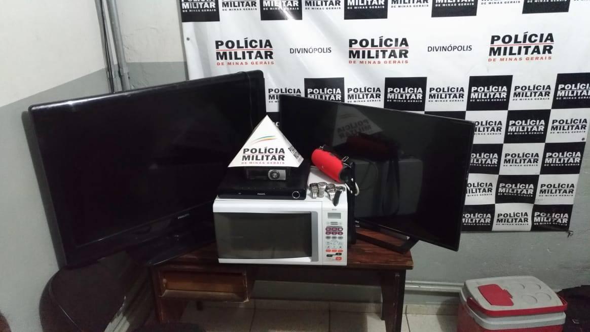 Após perseguição e troca de tiros, PM prende rapaz com produtos furtados em Divinópolis - Noticias