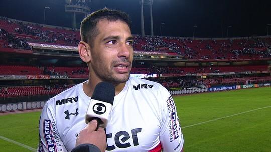 """Diego Souza lamenta o empate e sai reclamando de """"perseguição"""" de arbitragem"""