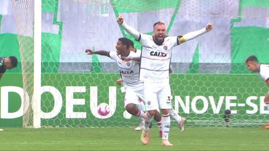 O gol de Chapecoense 0 x 1 Vitória pela 29ª rodada do Brasileirão 2018