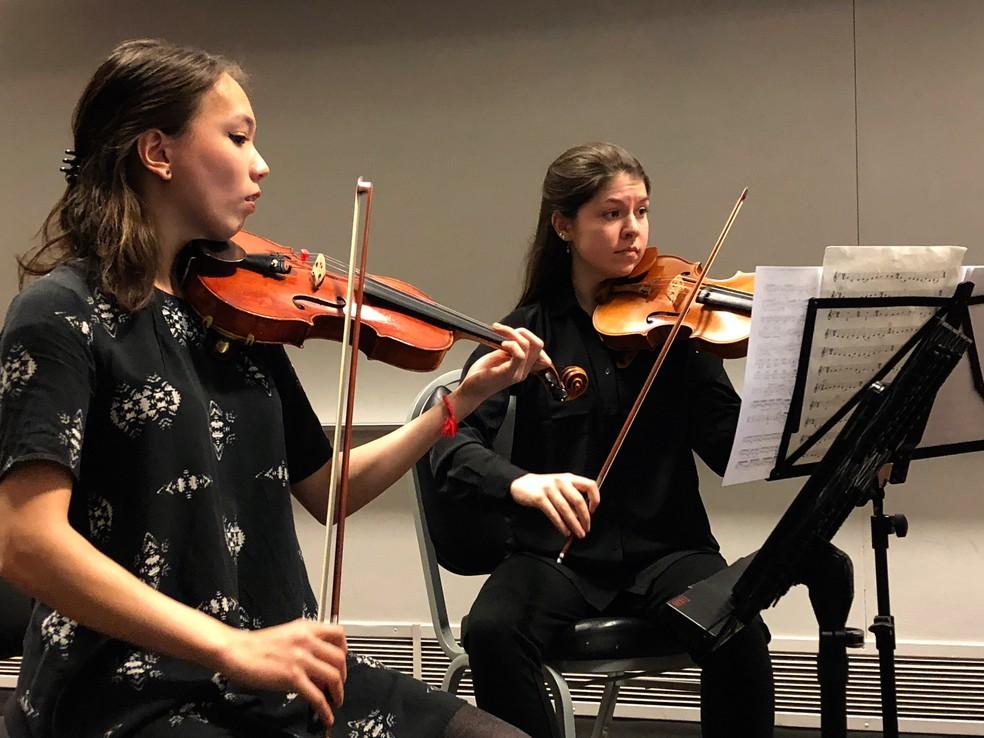 Alunas do Quarteto de Cordas da Universidade de Michigan que participaram do concerto para o curso de odontologia (Foto: Universidade de Michigan )