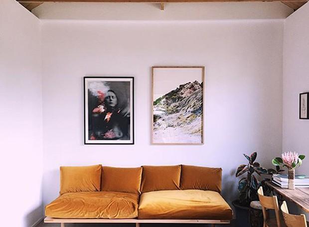 sofá veludo amarelo (Foto: Reprodução/Pinterest)