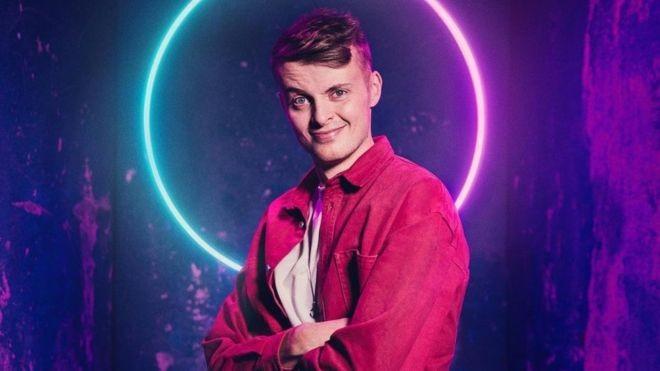 Alex foi o vencedor da primeira temporada de The Circle - mas não exatamente como ele mesmo (Foto: CHANNEL 4 via BBC News Brasil)