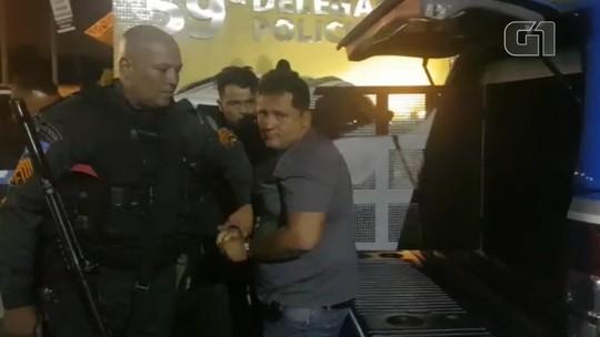 Braço direito do traficante Fernandinho Beira-Mar chega preso a uma delegacia em Caxias