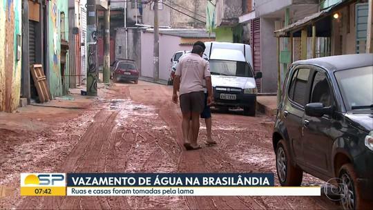 Vazamento de água causa transtornos na Brasilândia, zona norte da Capital