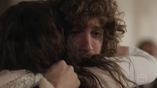 Joaquim descobre que é filho de Amália e emociona web