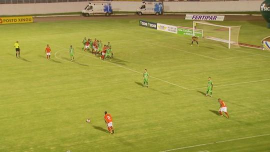 Autor de gol da vitória do Boa, Alyson comemora primeiro gol como profissional