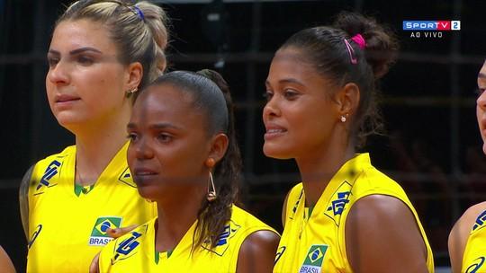Campeãs olímpicas são homenageadas antes do amistoso contra os Estados Unidos