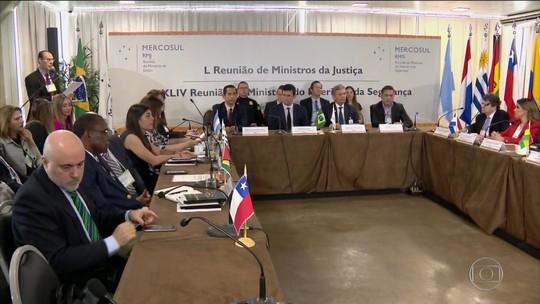 'Saída' do MEC de grupo sobre educação não afeta estudantes; Mercosul diz não ter sido notificado