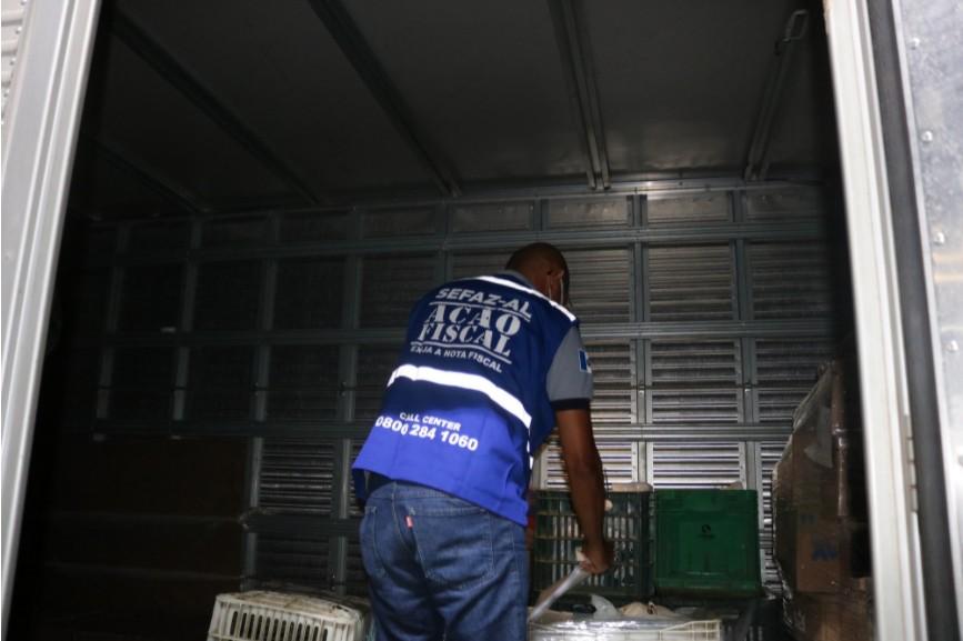 3 toneladas de fumo sem nota fiscal são apreendidas durante operação em Palmeira dos Índios, AL
