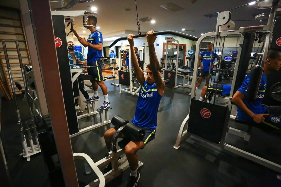 Ferreira em treino na academia do hotel onde o Grêmio está hospedado em Quito — Foto: Divulgação / Grêmio FBPA