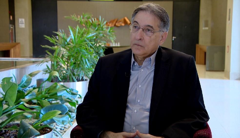 -  Governador de Minas Gerais, Fernando Pimentel  PT , concedeu entrevista à TV Integração nesta terça-feira  15  em Uberlândia  Foto: Reprodução/TV Int