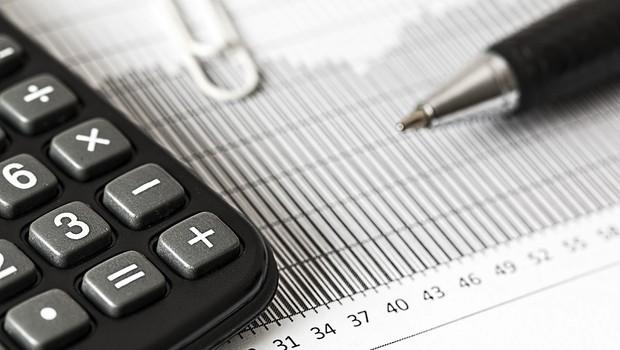 Economia, finanças, calculadora (Foto: Pixabay)