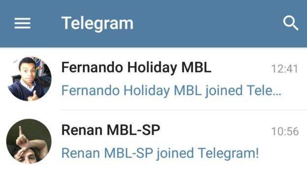 Notificações do Telegram mostram a entrada do vereador Fernando Holliday (DEM-SP) e de Renan Santos, ambos líderes do MBL (Foto: BBC News Brasil)