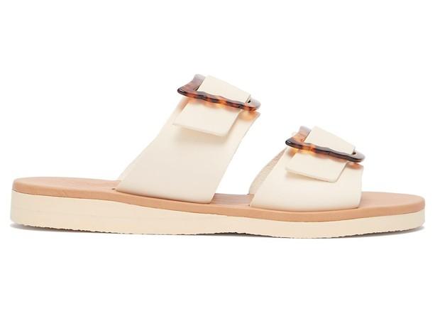 Com fivelas, da Ancient Greek Sandals para Matches Fashion £108 (Foto: Divulgação)