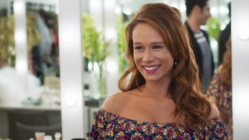Tancinha (Mariana Ximenes) fica radiante ao ouvir conselhos de Claudia Raia - 'Haja Coração' — Foto: Globo