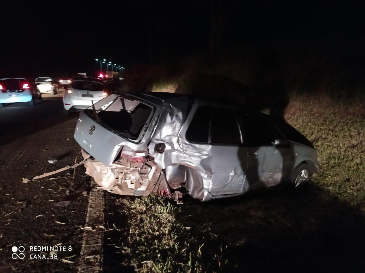 Motorista de caminhão não vê sinalização de acidente e atinge quatro veículos parados na BR-369