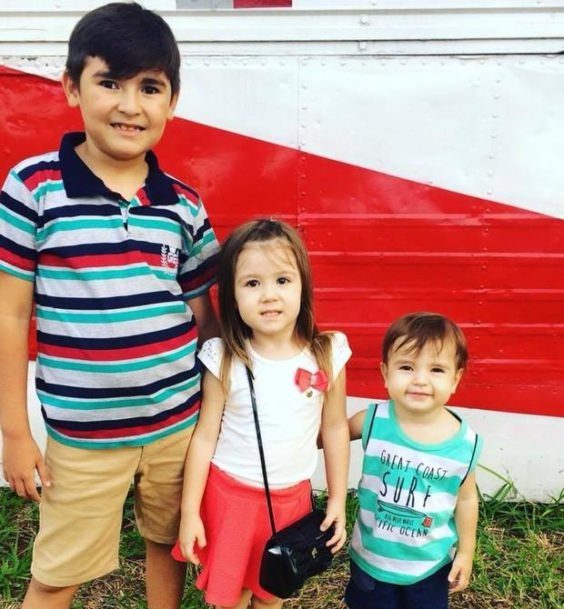 Natallí tem uma escadinha: Enzo, 9, Isabelly, 4, e Lucca, 2 (Foto: Arquivo pessoal)