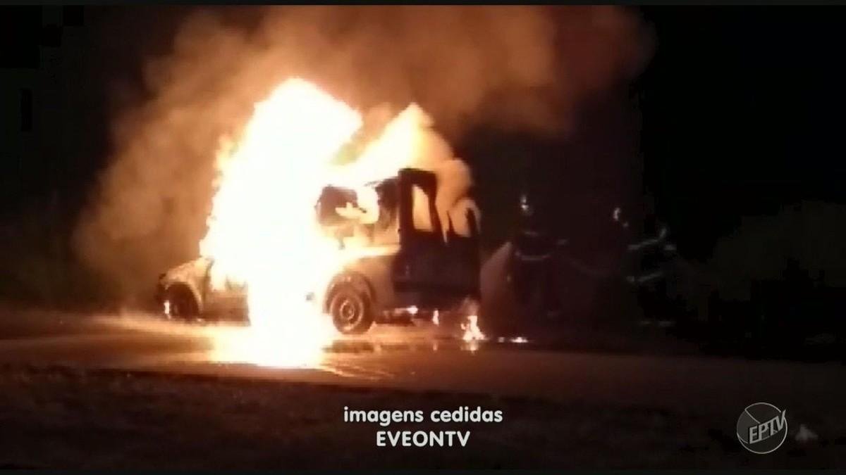 Ambulância da Prefeitura de Limeira é destruída por fogo no caminho para atender paciente