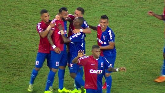 Gol do Paraná atrapalha milhares de cartoleiros na despedida do goleiro Jefferson; veja as reações