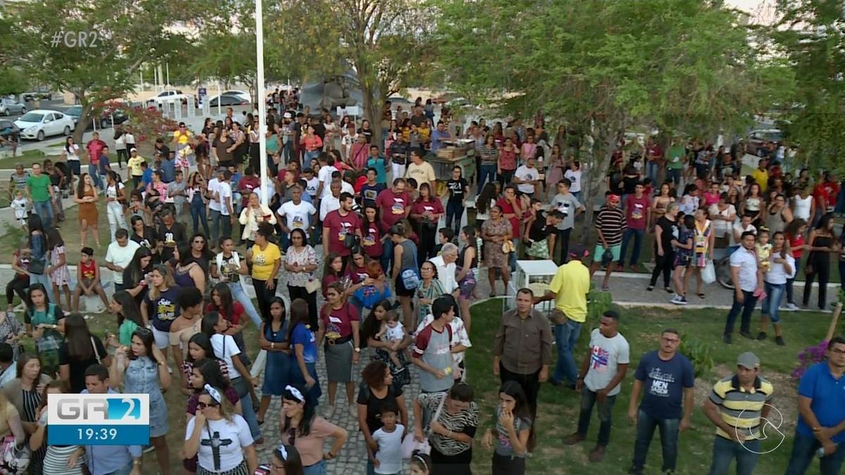 Evangélicos participam da primeira Marcha para Jesus em Petrolina - G1