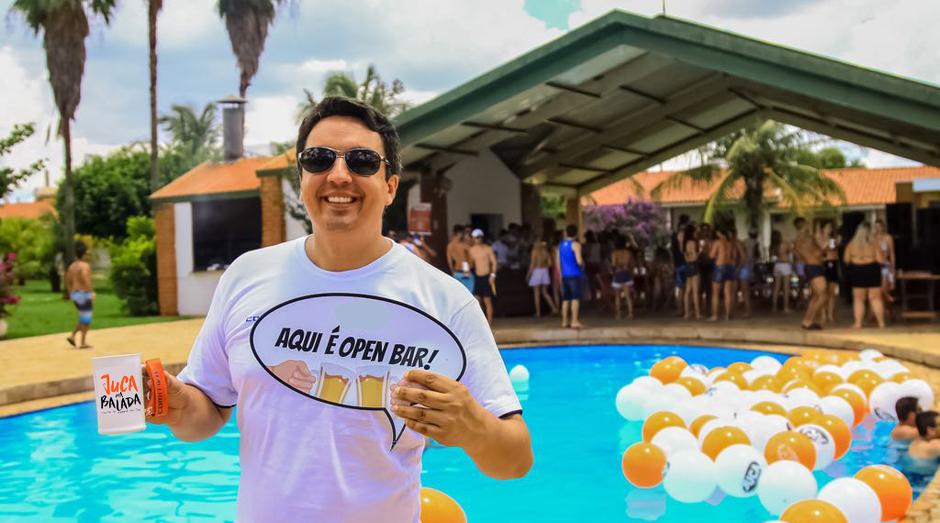 Stephan Geocze, mais conhecido como Juca, fundou a Juca na Balada, agência de turismo focada em festas (Foto: Divulgação)