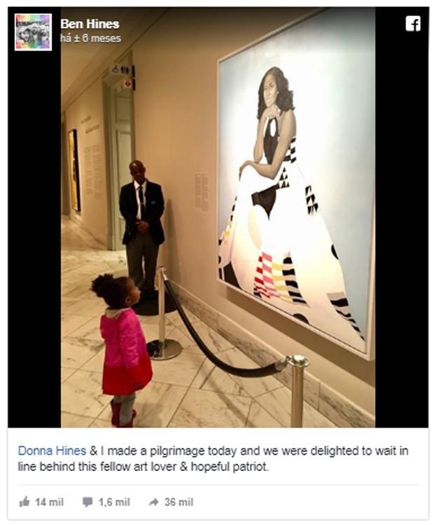 Foto de criança observando quadro de Michelle Obama (Foto: Reprodução/Facebook)