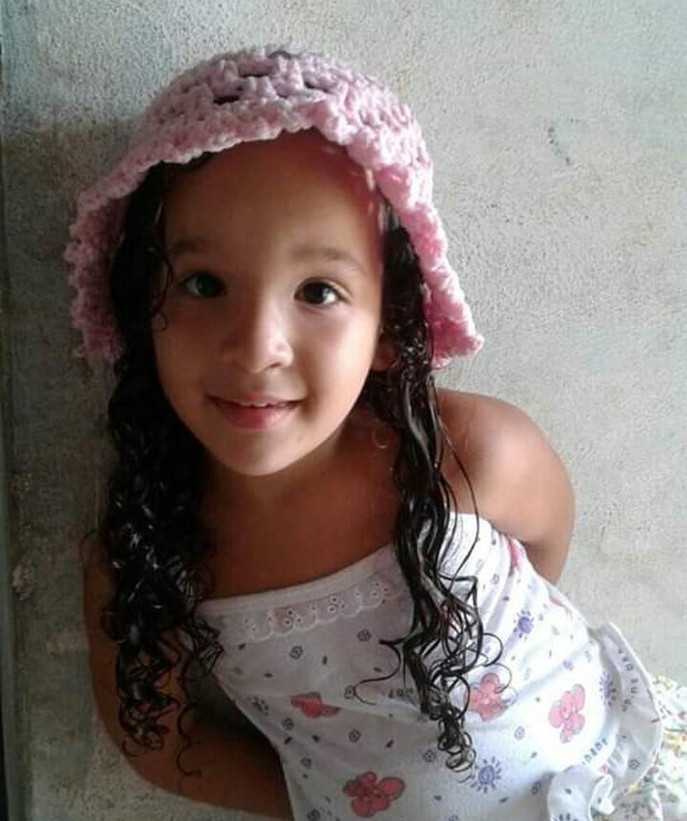 Hyslla Beatriz da Silva Araújo, de 4 anos de idade, morreu no hospital após ser baleada na cabeça — Foto: Arquivo da Família