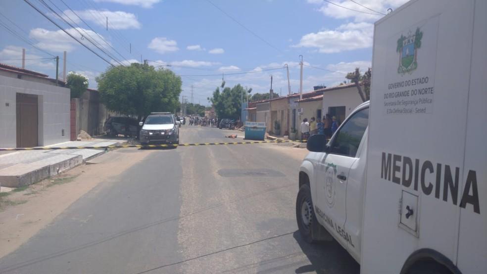 Crime aconteceu no bairro Santa Delmira, em Mossoró — Foto: Hugo Andrade/Inter TV Costa Branca