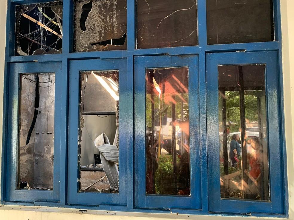 Resultado de imagem para INCÊNDIO NA MADRUGADA DESTA QUARTA ATINGE SUBESTAÇÃO DA CAERN EM LAGOA NOVA
