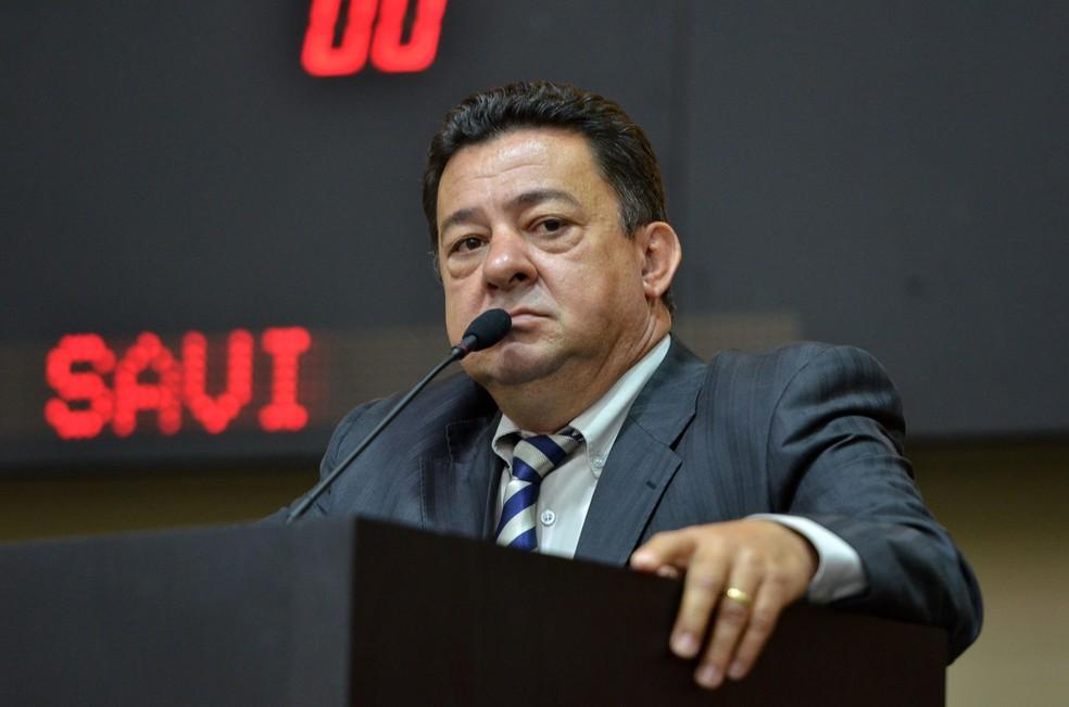 Mauro Savi (DEM) é apontado como um dos chefes do esquema (Foto: Maurício Barbant/ALMT)
