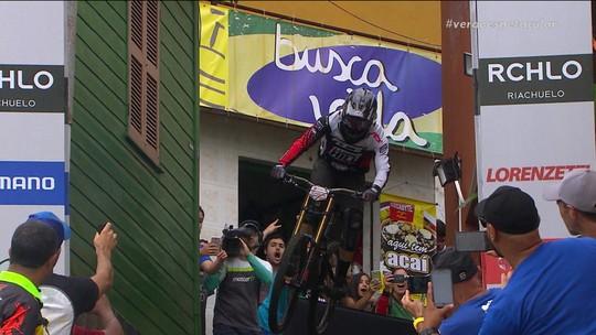Junior Felix conquista o título da Descida das Escadas de Santos