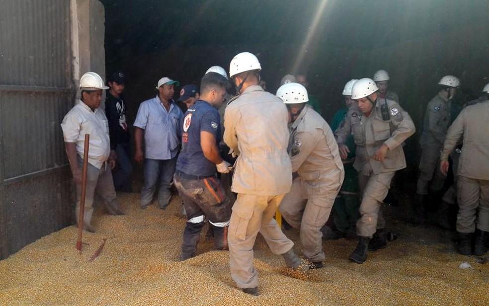 Criança soterrada em Tangará da Serra (Foto: Nayana Bricat/TVCA)