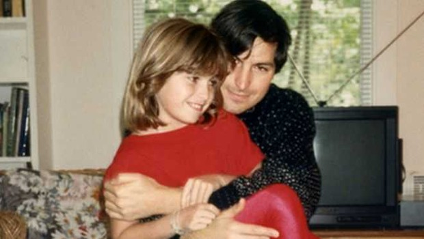 Steve Jobs e sua filha, Lisa Brennan-Jobs (Foto: Grove Atlantic via BBC)