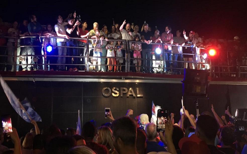 Belivaldo Chagas participa de festa da vitória — Foto: Anderson Barbosa/G1