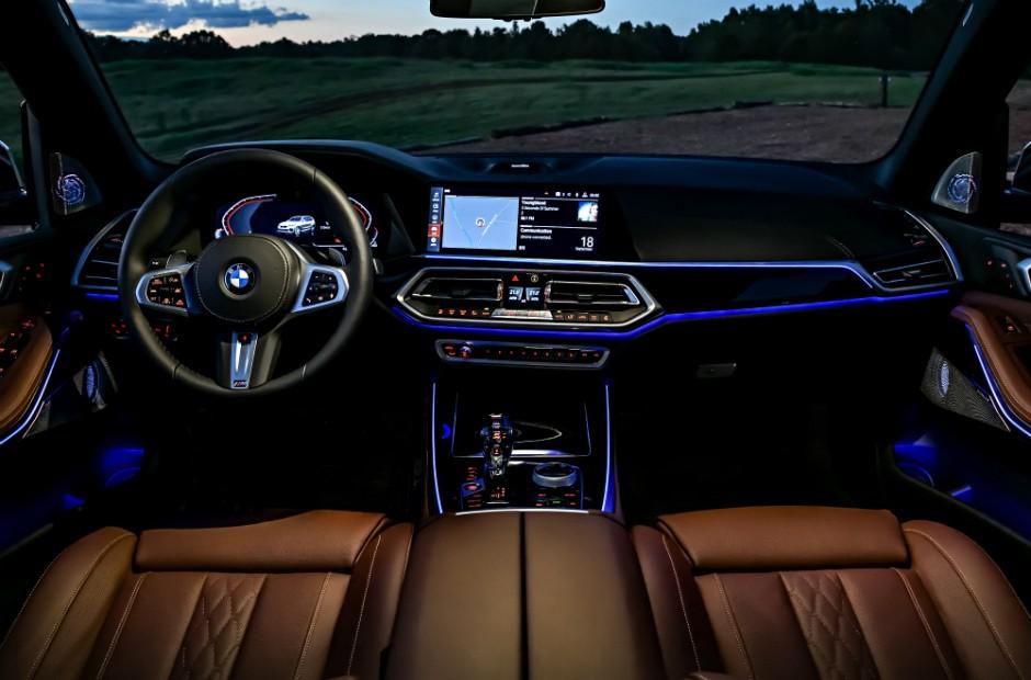 Interior do BMW Série 3 330i M Sport (Foto: Divulgação)