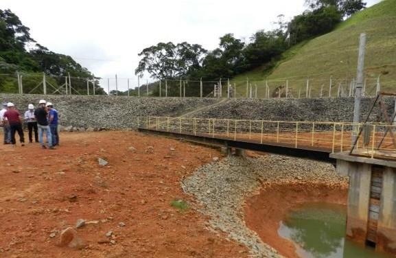 Empresa realiza simulação de rompimento de barragem em Miraí  - Noticias