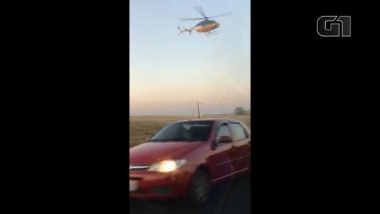 Carro carregado com contrabando é perseguido por helicóptero; VÍDEO